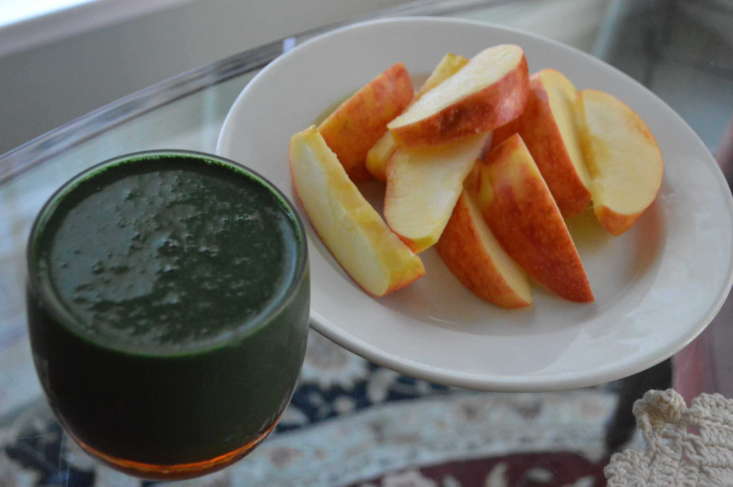 Apple + Spirulina Smoothie