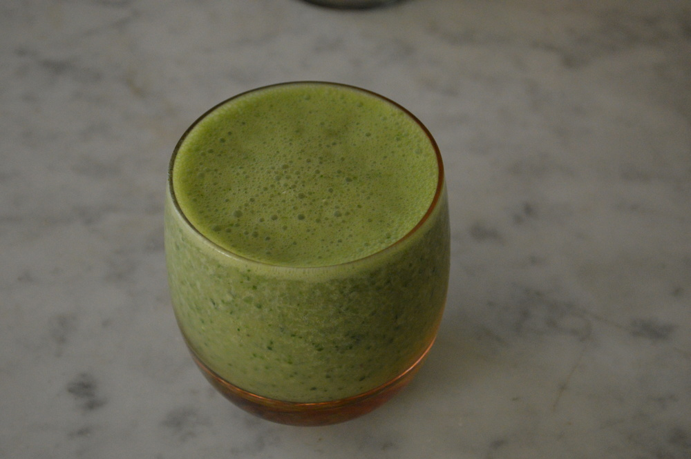 Peach, Banana, Ginger Green Smoothie