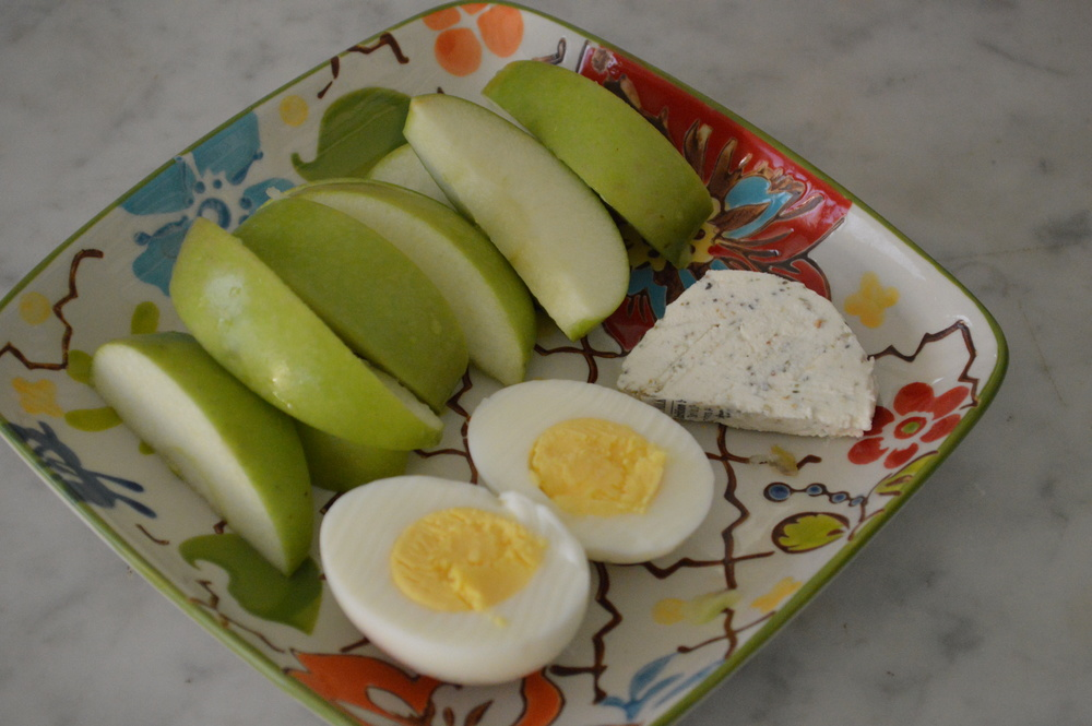 Green Apple & Goat Cheese Snack