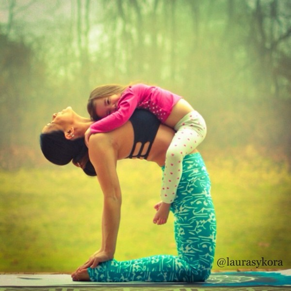 Mother-and-Daughter-Yoga-04.jpg