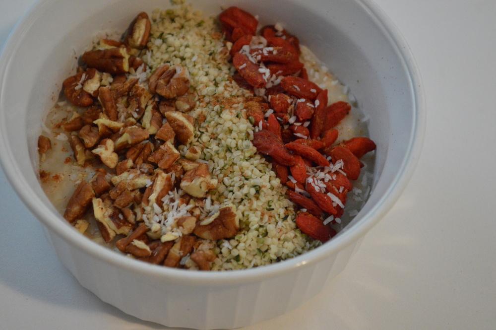 oatmeal - hemp seeds, goji berries & pecans