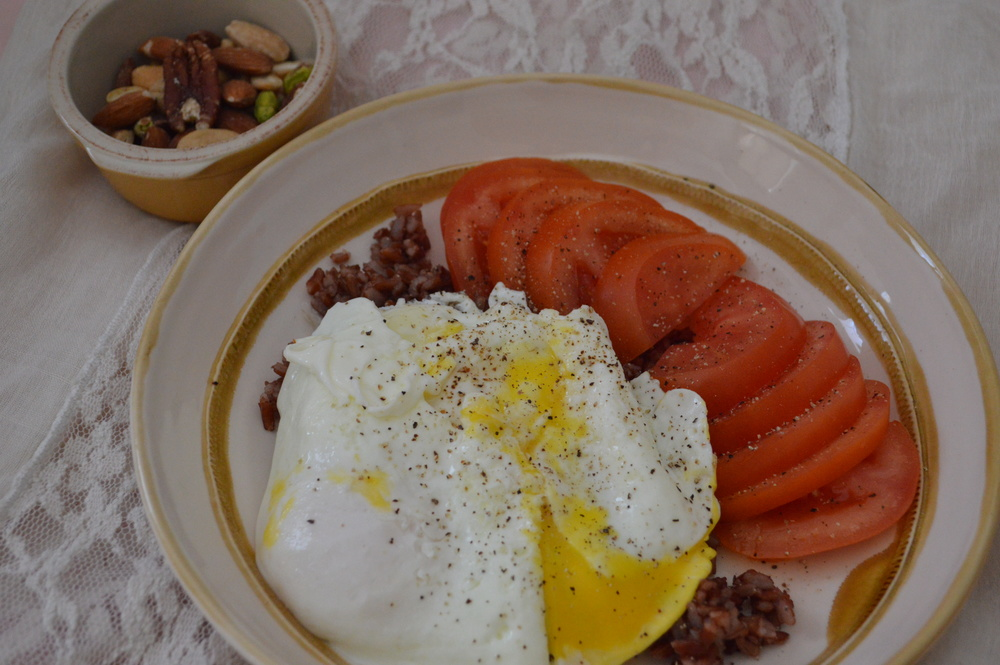 Red Rice, Fried Eggs & Tomato
