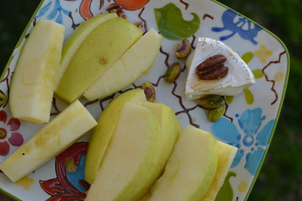 Golden Delicious Apple + Goat Cheese
