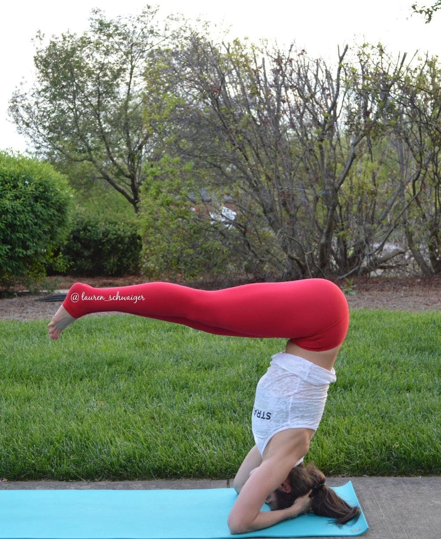 Lauren Schwaiger Yoga - Headstand Pikeups