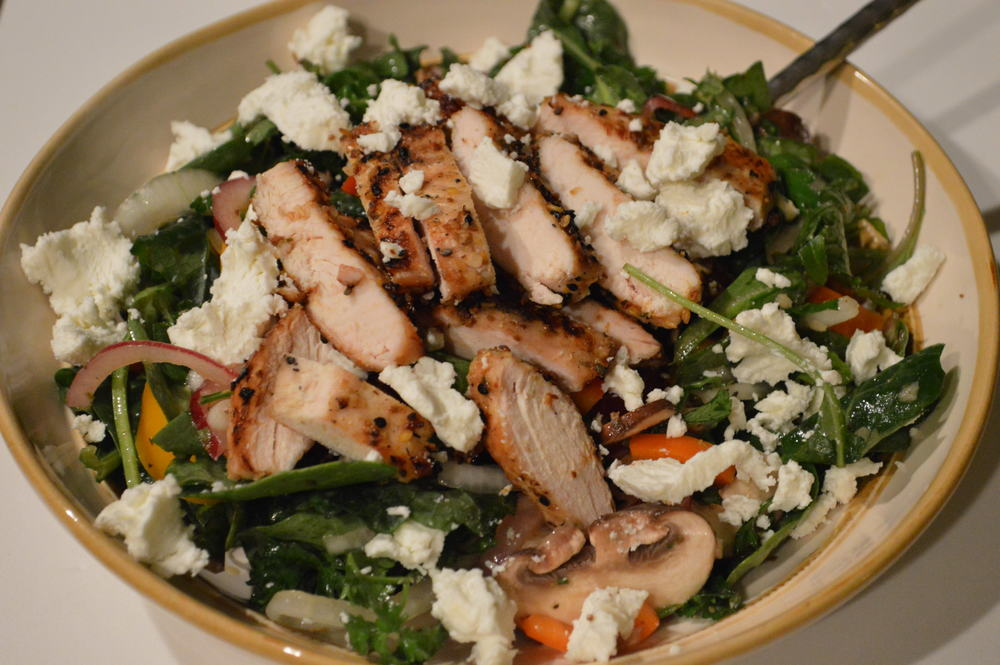 mixed green & grilled chicken salad