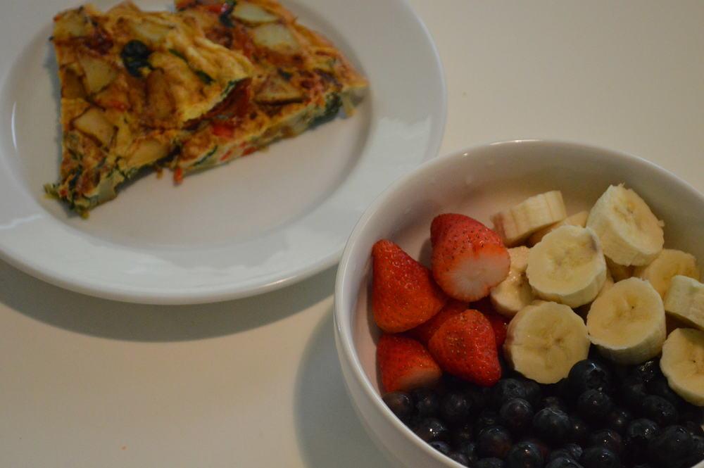 omelette & Fruit