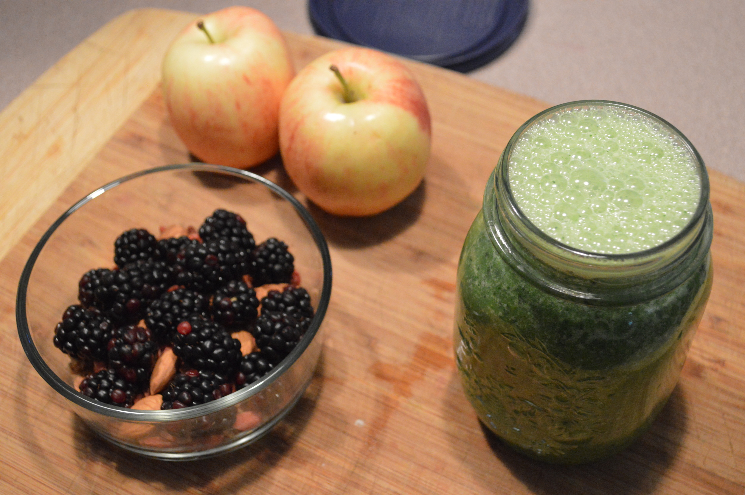 Green Smoothie + Healthy Mid Day Snacks