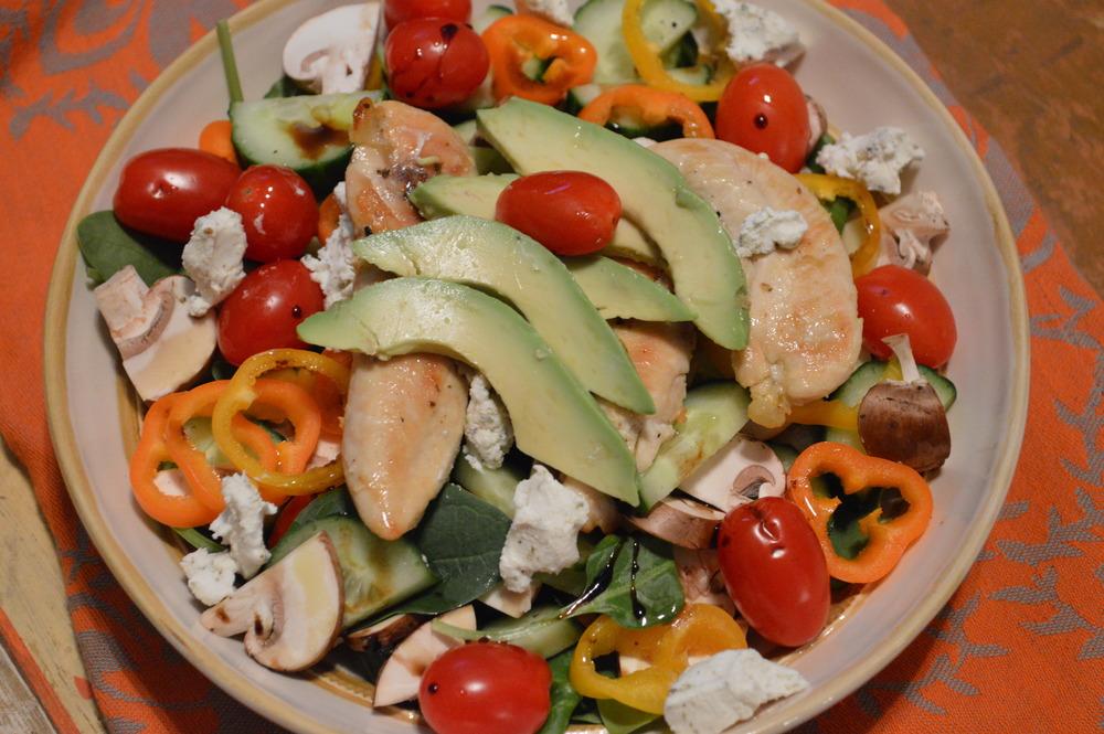 Spinach, Veggie & chik salad