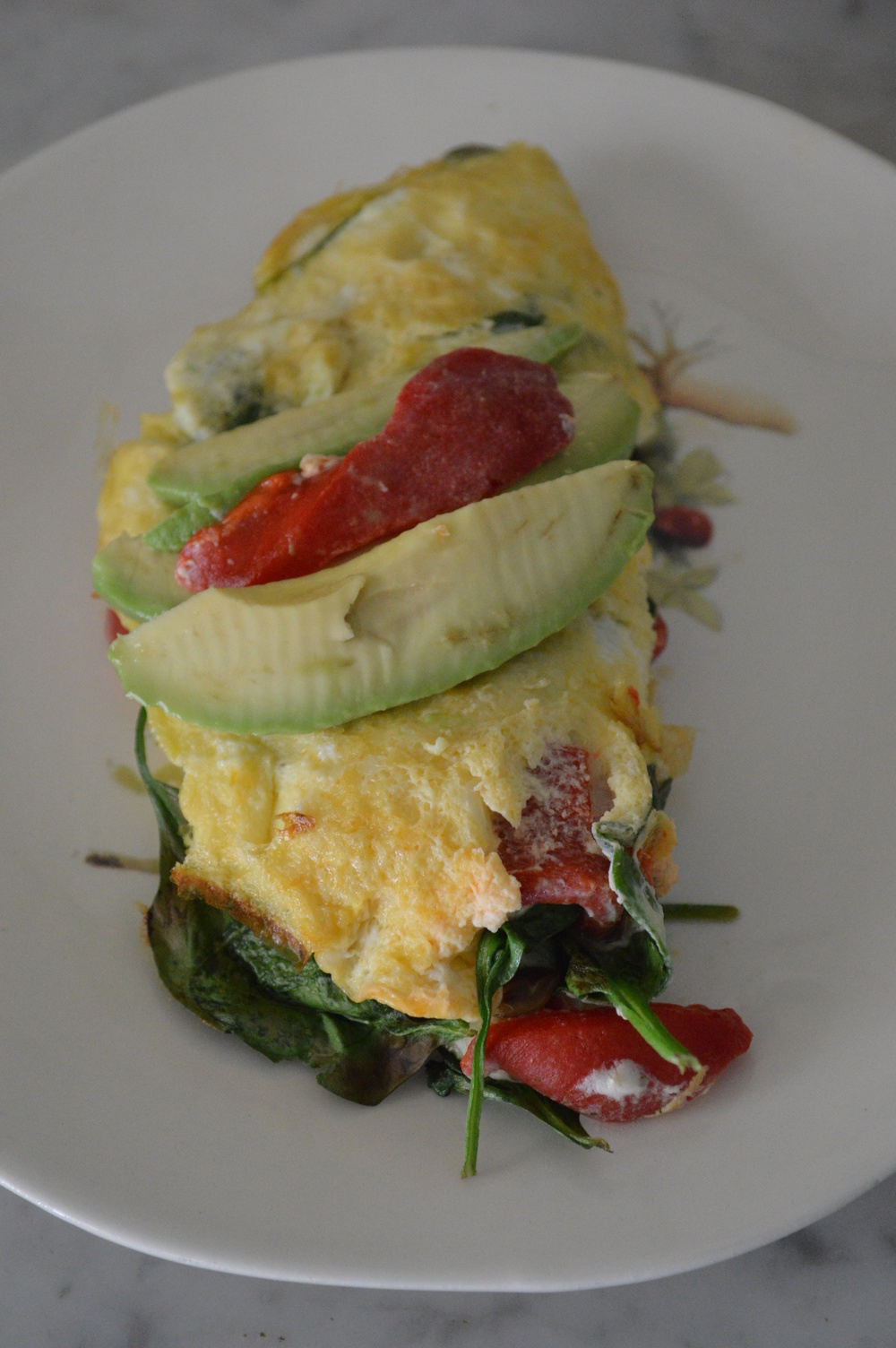 Spinach,RoastedRedPeppers,Avocado&GoatCheese-Omelette