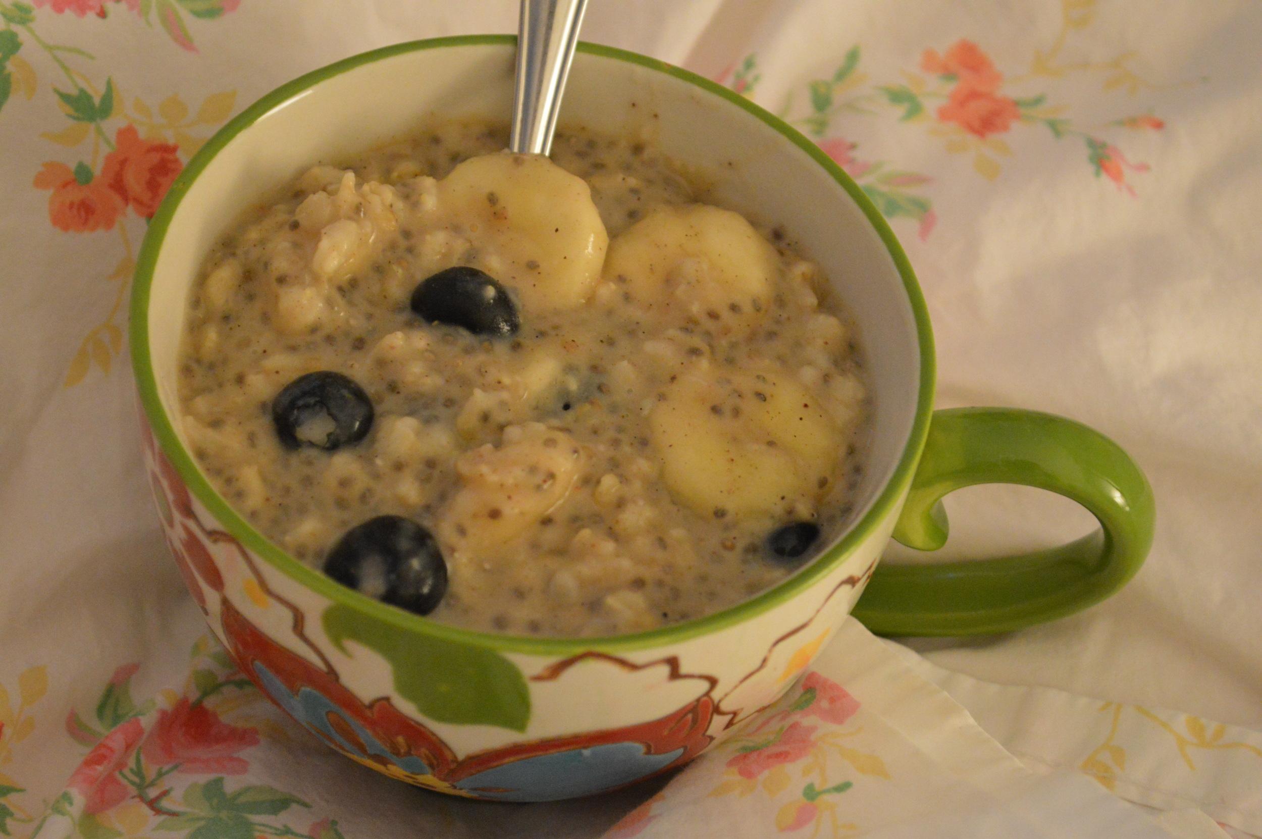 Banana, Blueberry & Chia Seed Oatmeal