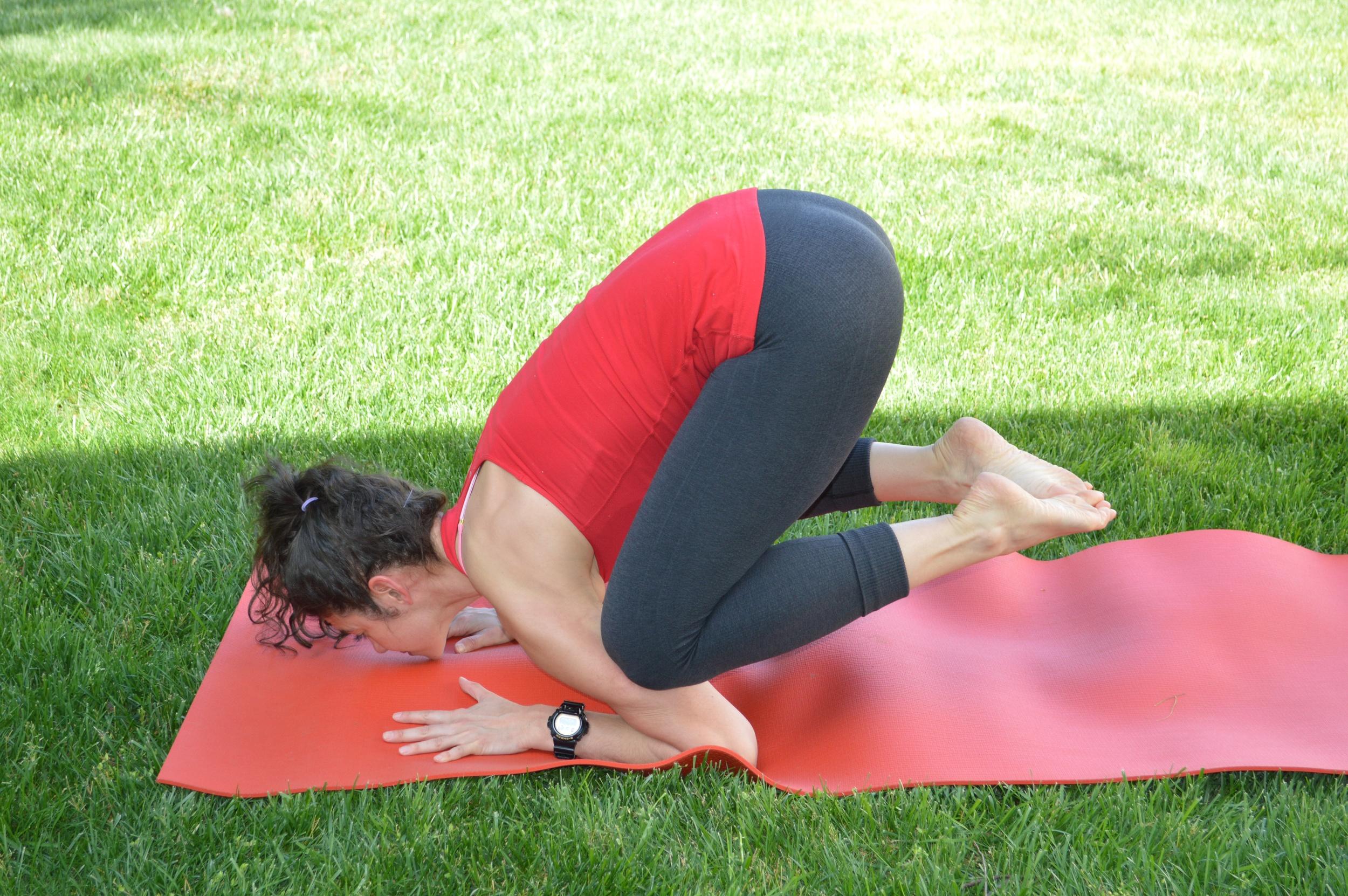 LS Yoga - Baby Crow Pose