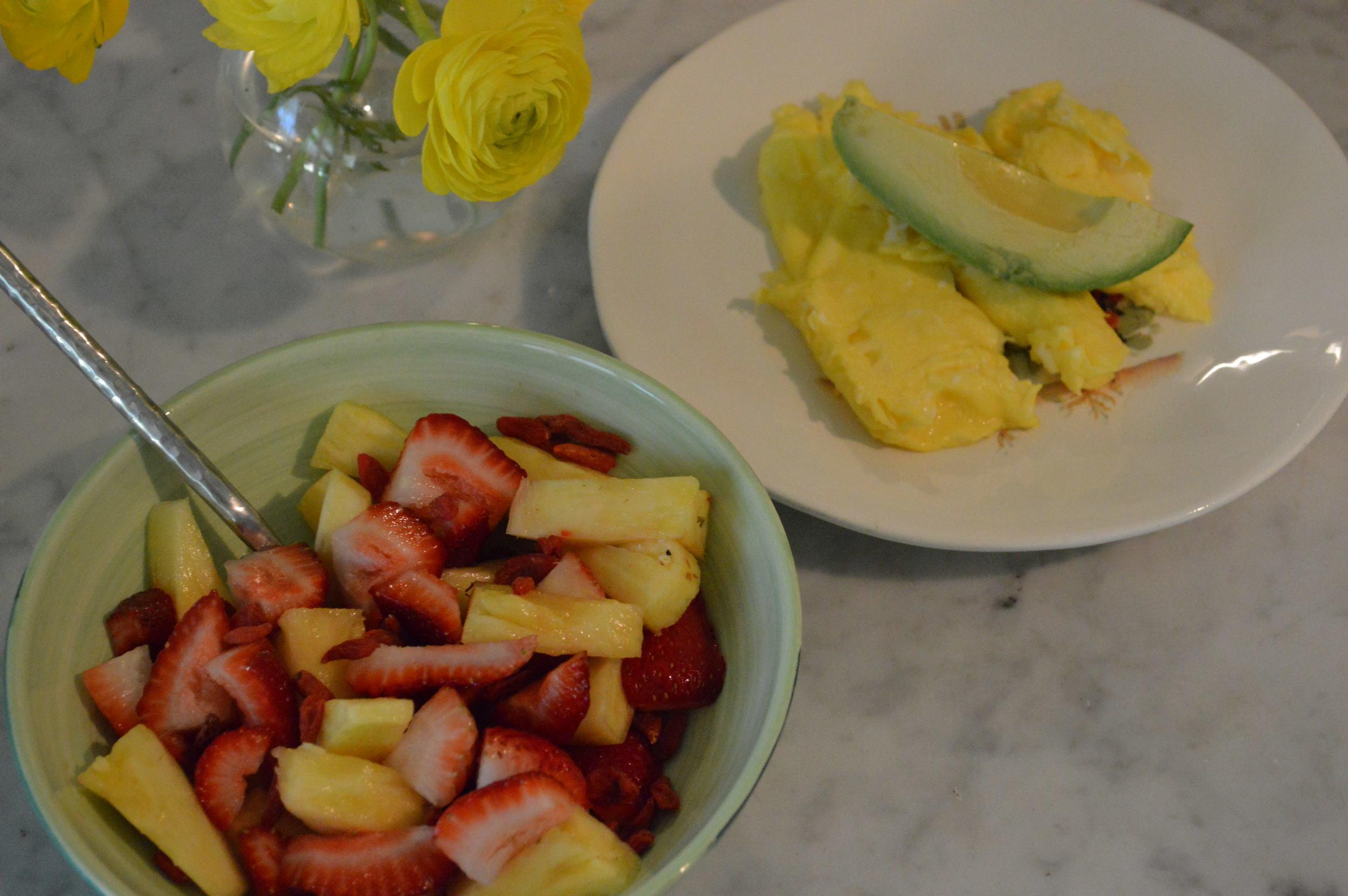 Eggs & Avo + Fruit