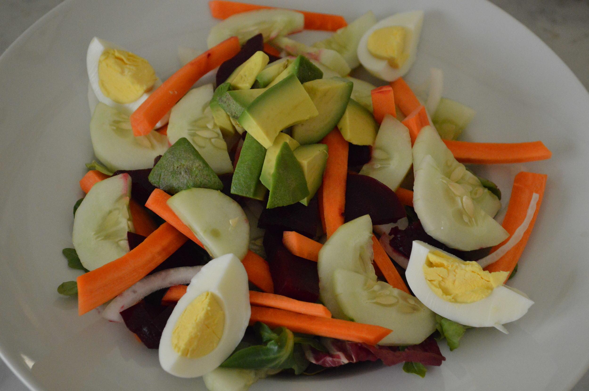 Summer Salad - LaurenSchwaiger.com
