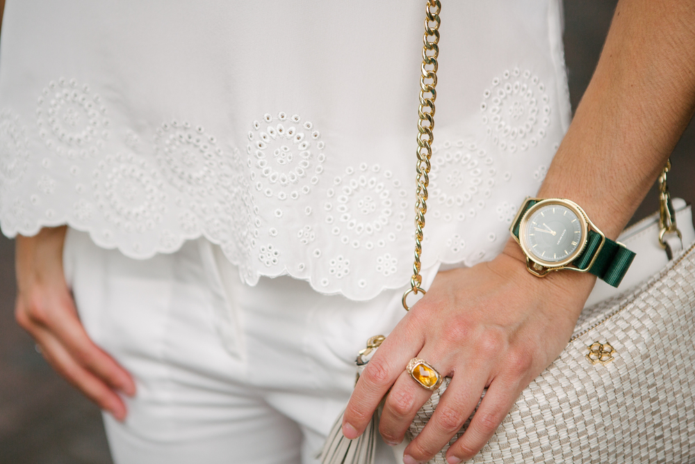 white&goldaccessories.jpg