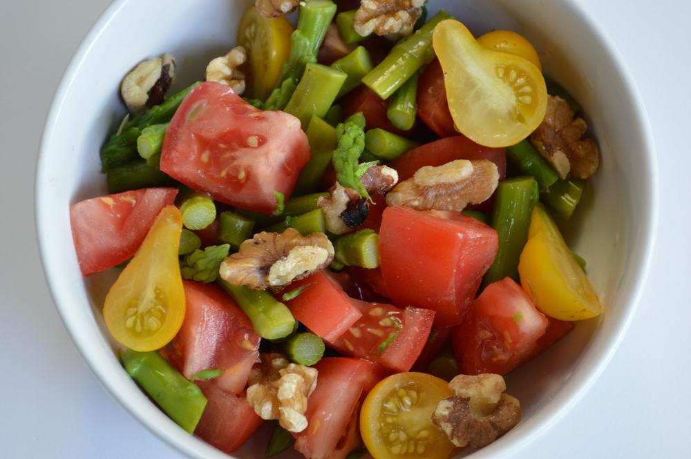tomato+asparagus+walnuts.jpg