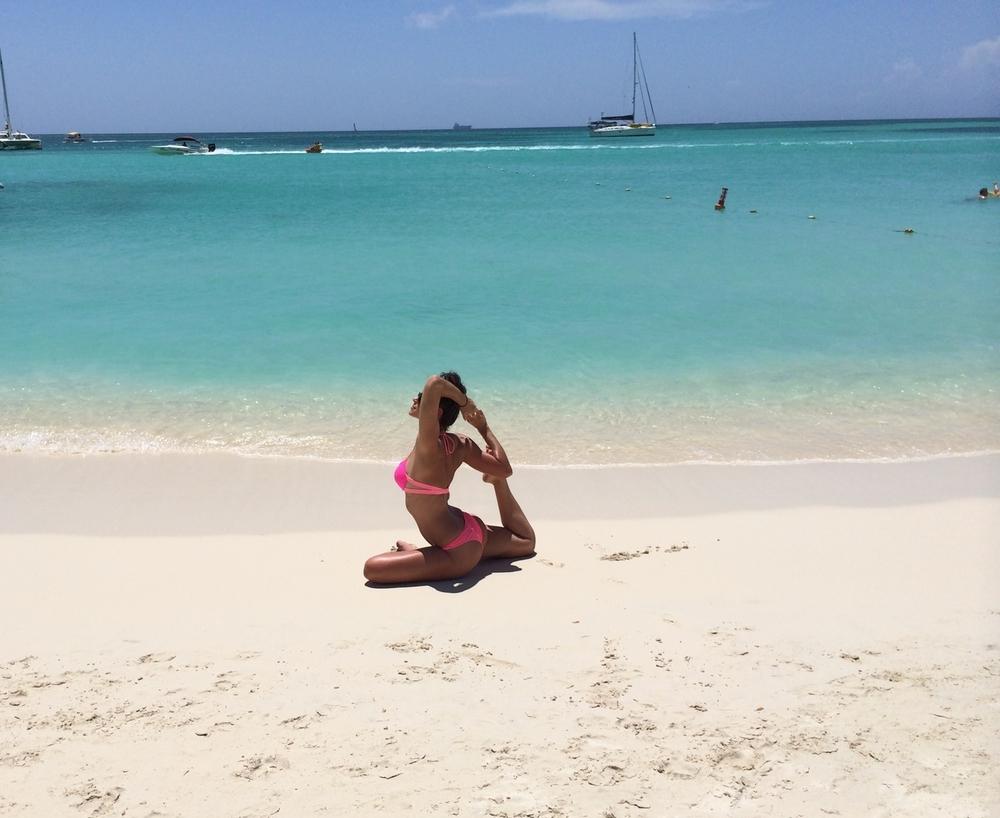 LaurenSchwaigerAruba-BeachYoga.JPG
