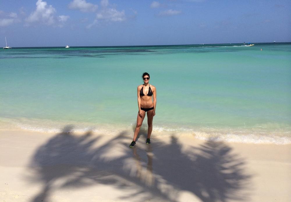 LaurenSchwaiger-Aruba-BeachRun.jpg