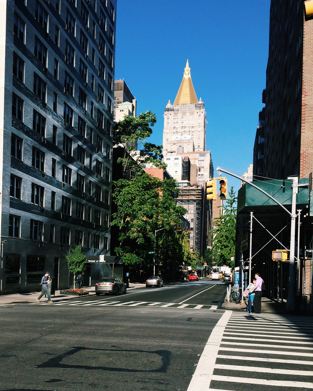 Lauren-Schwaiger-Blog-NYC-Gold-Roof-Building.jpg