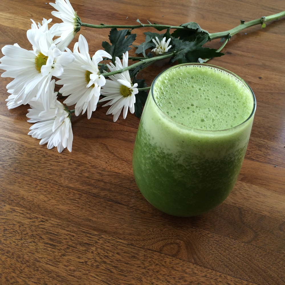 Lauren-Schwaiger-Blog-Green-Smoothie.jpg