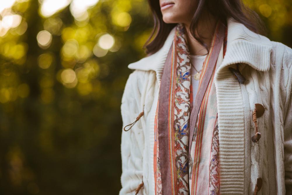 Lauren-Schwaiger-Fall-Style-Scarf+Chunky-Sweater.jpg