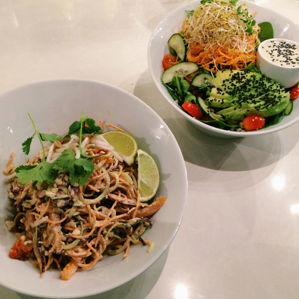 LaurenSchwaiger-Blog-Luna's-Living-Kitchen-PadThai.jpg
