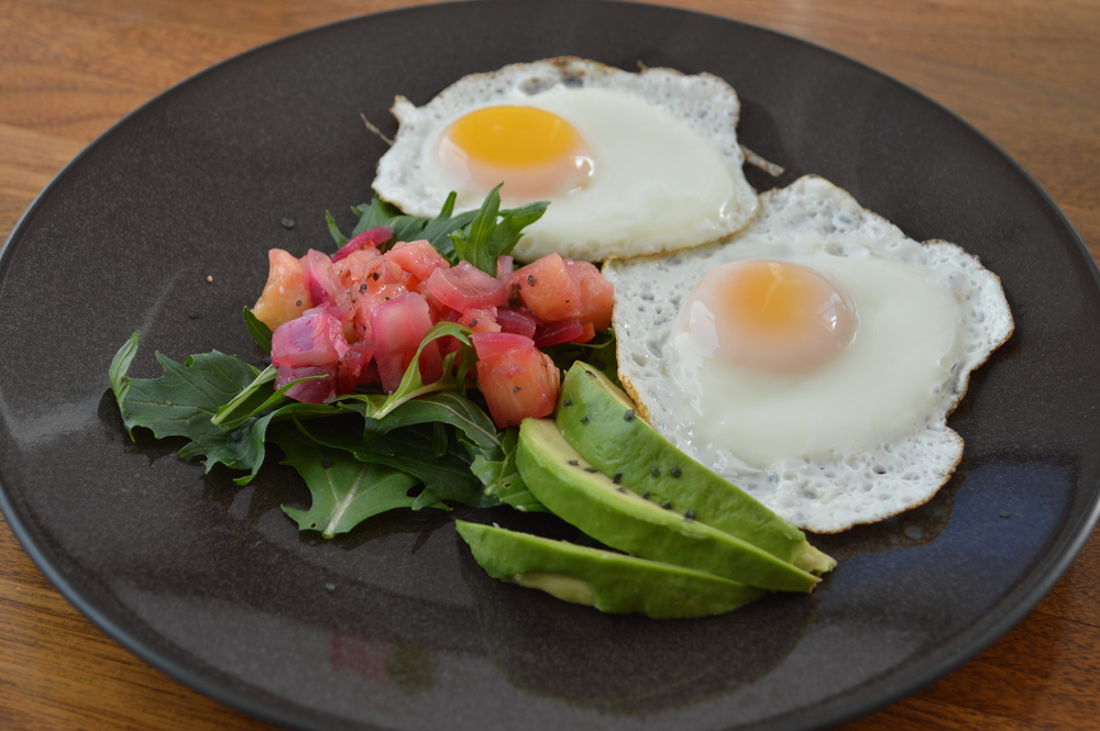 Lauren-Schwaiger-Blog-Clean-Eating-Eggs&Avocado-Breakfast.jpg