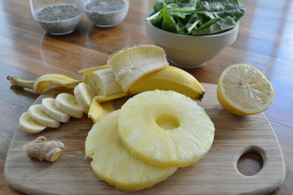 Lauren-Schwaiger-Blog-Pineapple-Banana-Ginger-Green-Smoothie.jpg