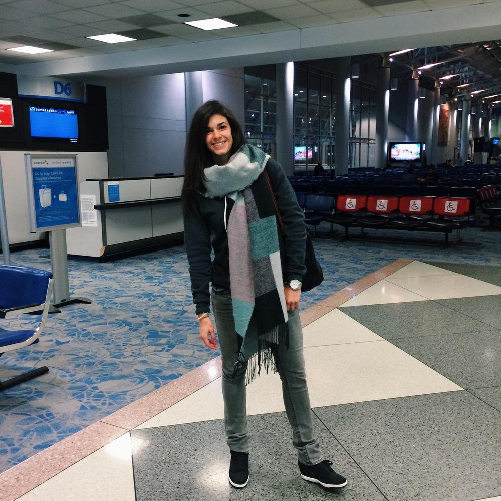 Lauren-Schwaiger-Blog-Travel-Style-ootd-hm-blanket-scarf.jpg
