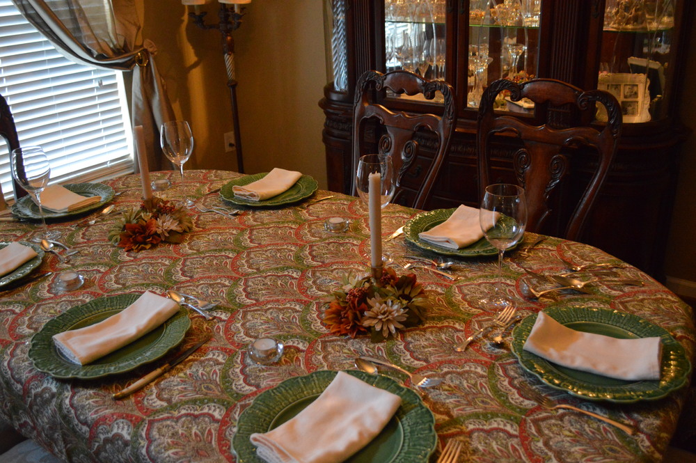 Lauren-Schwaiger-Blog-Thanksgiving2014Table.jpg
