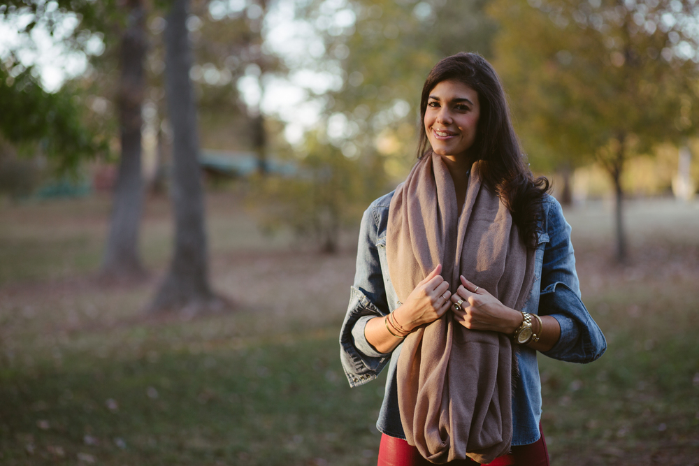 LaurenSchwaiger-Style-Athleta-InfinityScarf,jpg