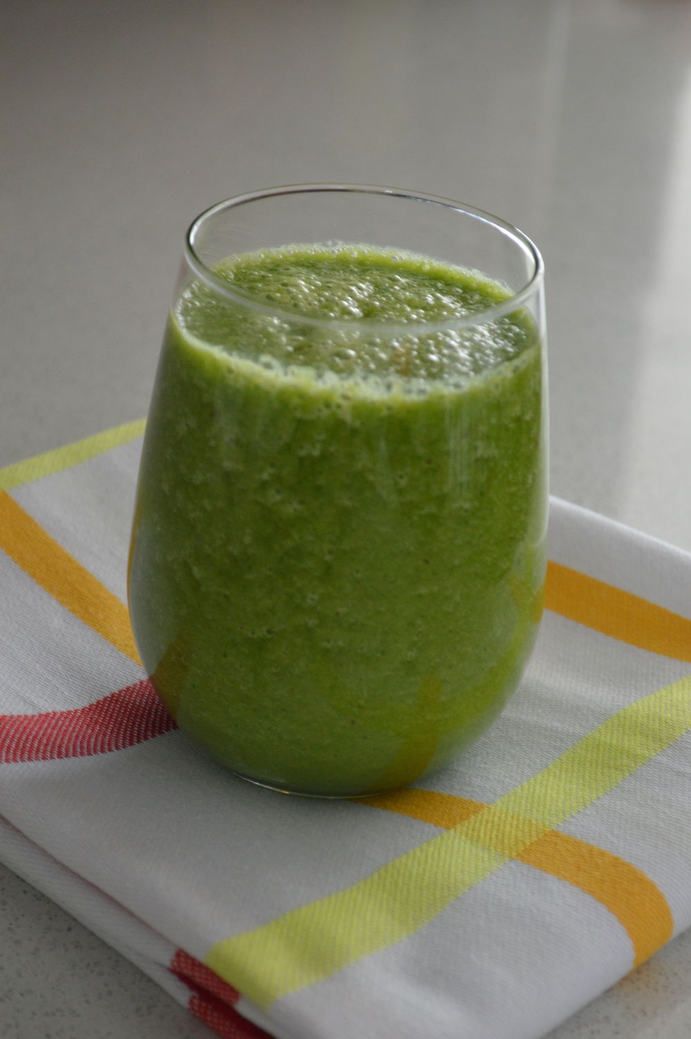 LaurenSchwaiger-Blog-Cucumber-Banana-Ginger-GreenSmoothie.jpg