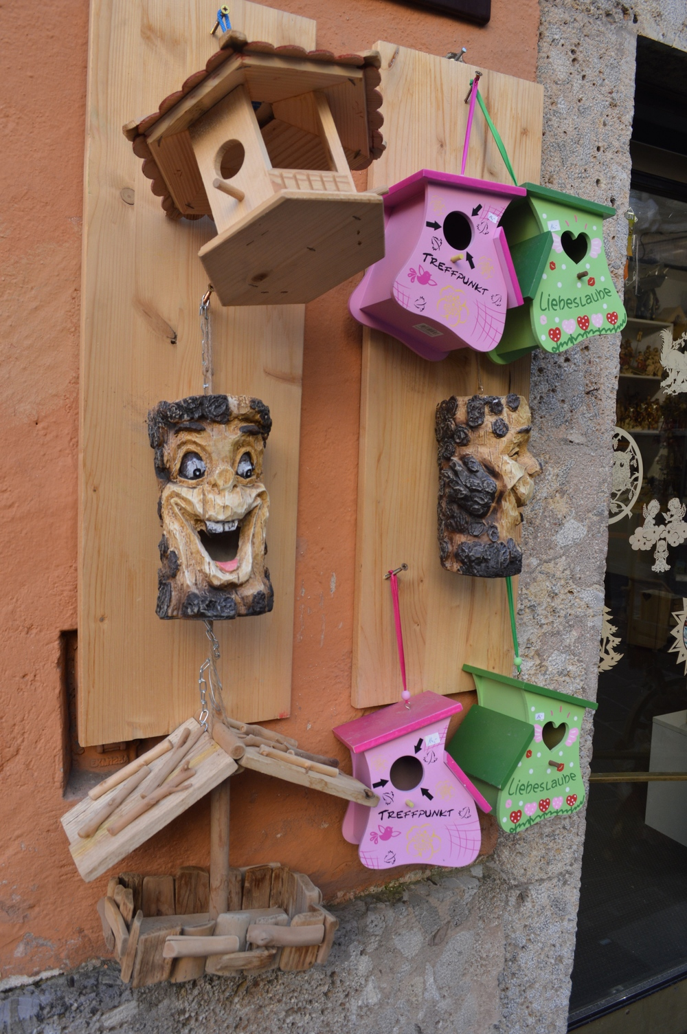 LaurenSchwaiger-Travel-Innsbruck-Austria-Wooden-Treehouse-Faces.jpg