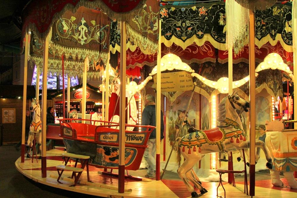 Austria-Innsbruck-Christkindlmarkt-Carousel.jpg