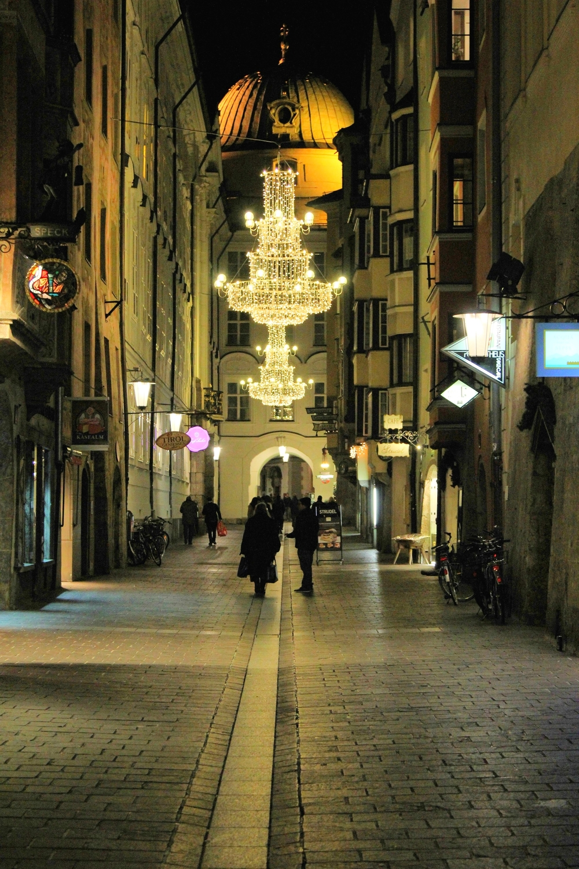 LaurenSchwaiger-Travel-Blog-Innsbruck-Austria.jpg