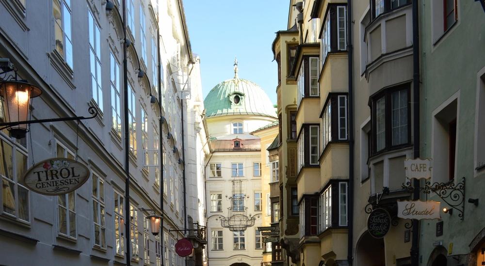 LaurenSchwaiger-Travel-Blog-Innsbruck-Streets.jpg