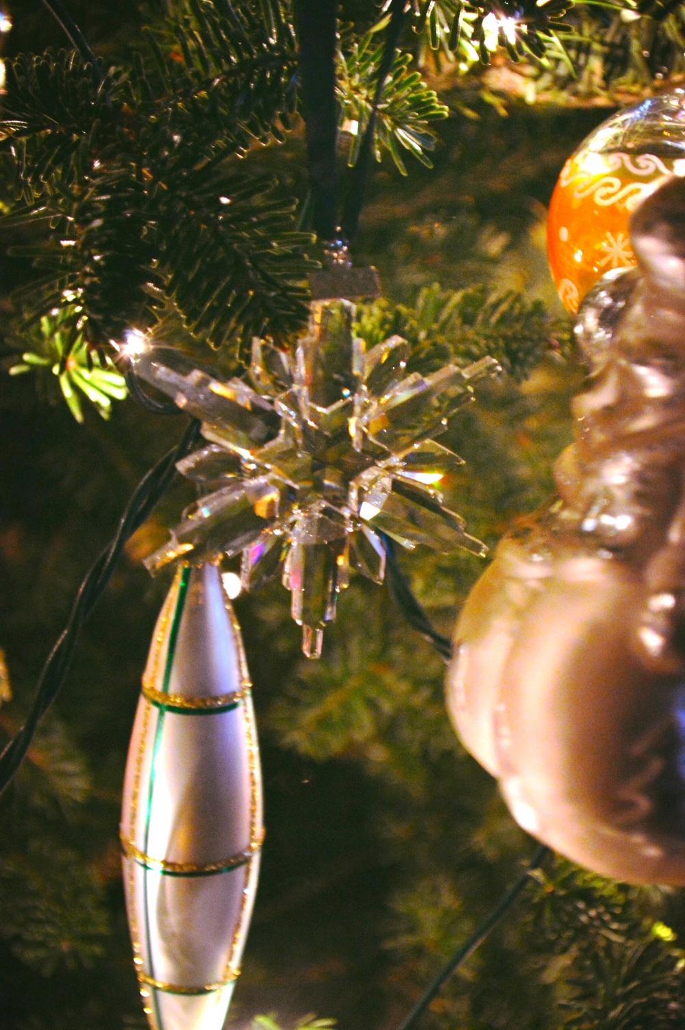 LaurenSchwaiger-Blog-Christmas-Swarovski-Crystal-Christmas-Ornament.jpg