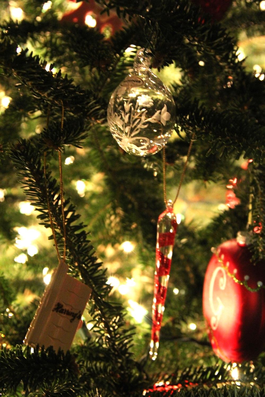 LaurenSchwaiger-Blog-Christmas-Traditions-Kisslinger-Kristallglas-Ornaments.jpg