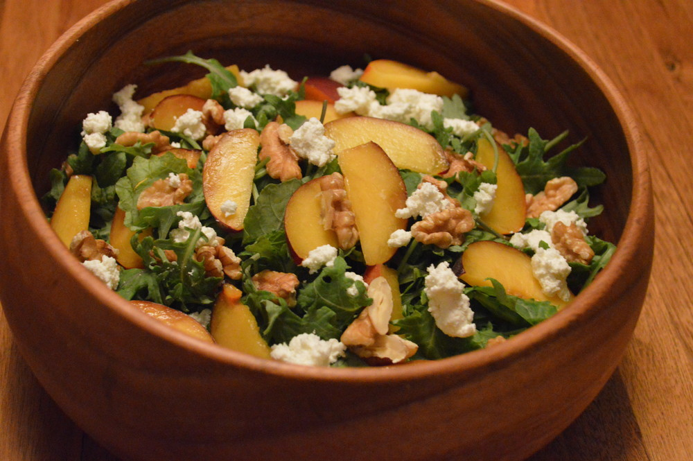 LaurenSchwaiger-Blog-Clean-Eating-Peach-GoatCheese-Salad.jpg