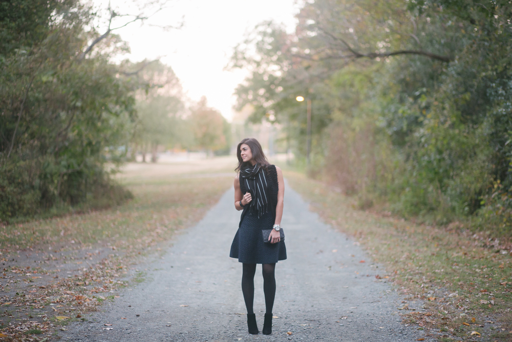 LaurenSchwaiger-Style-Blog-AnnTaylor-Black&Navy-Sweater-Skirt.jpg