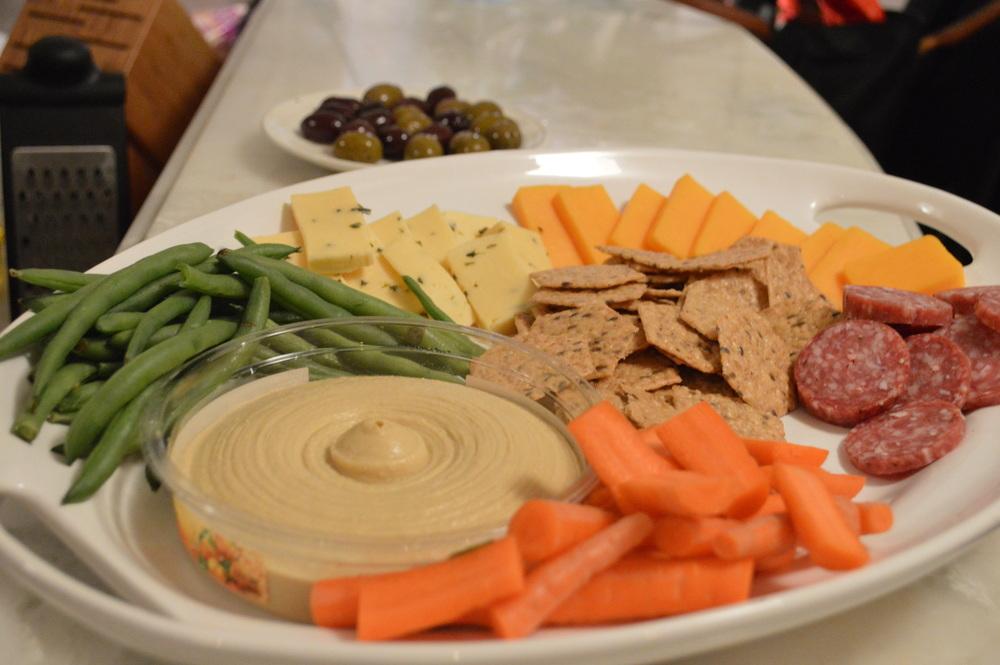 LaurenSchwaiger-Blog-Hummus&Veggies.jpg