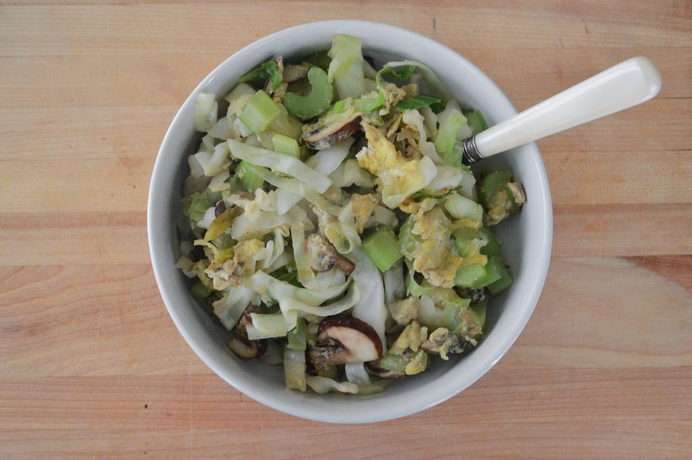 LaurenSchwaiger-Blog-Healthy-Egg-Veggie-Stir-Fry.jpg