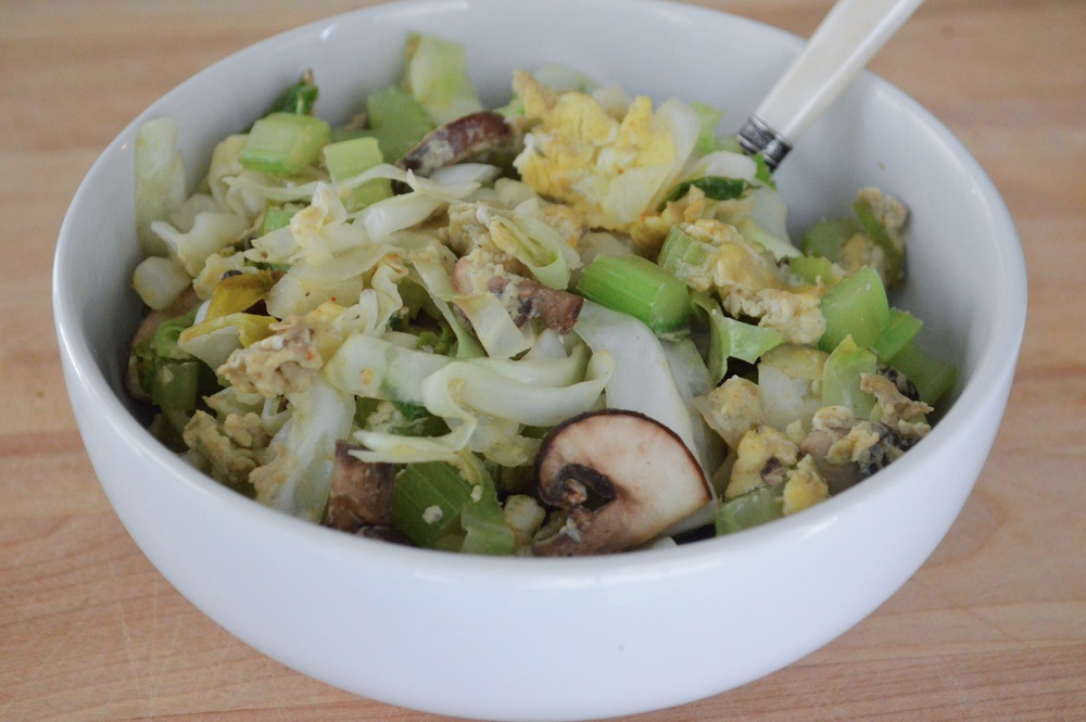 LaurenSchwaiger-Blog-Egg-Veggie-Stir-Fry-Coconut-Oil.jpg