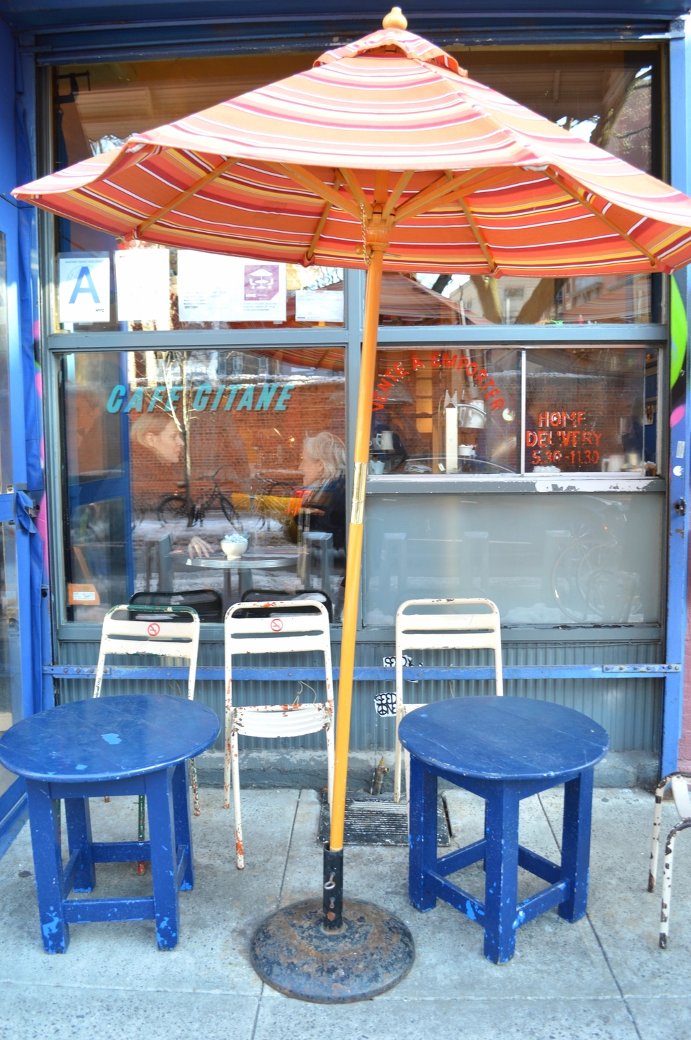LaurenSchwaiger-Travel-Blog-Cafe-Gitane-Sidewalk-NYC.jpg