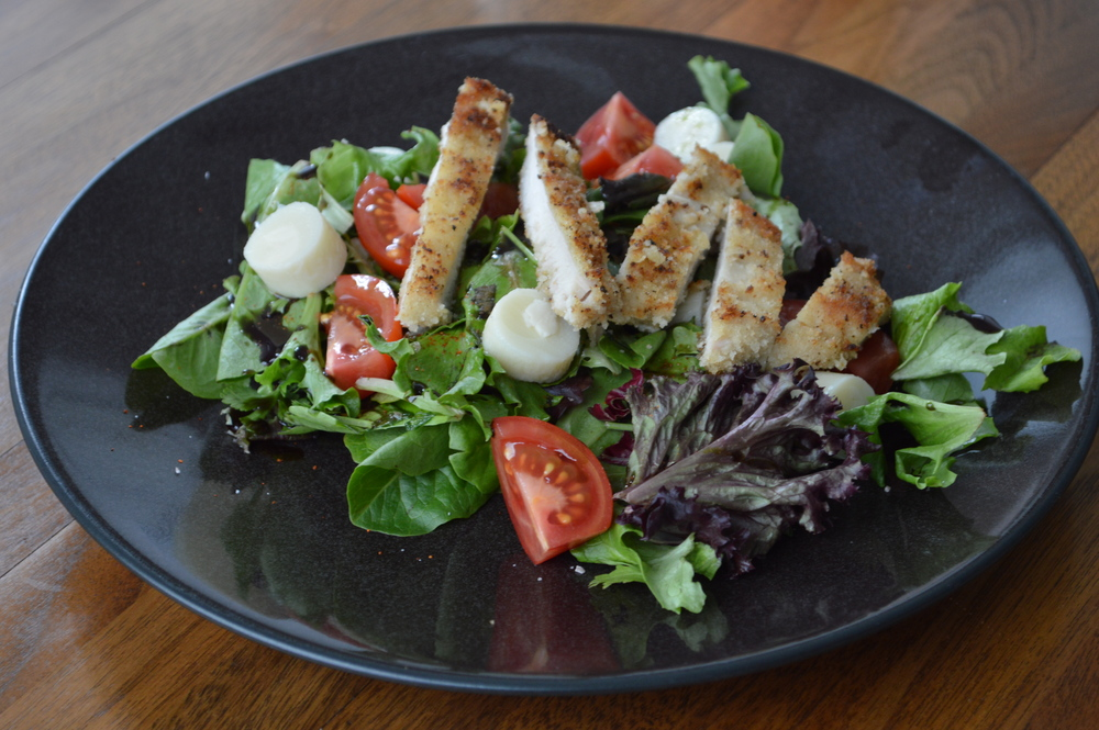 LaurenSchwaiger-Blog-Salad-Chicken-Clean-Eating.jpg