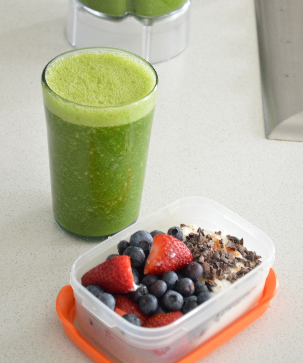 LaurenSchwaiger-Blog-Green-Smoothie.jpg