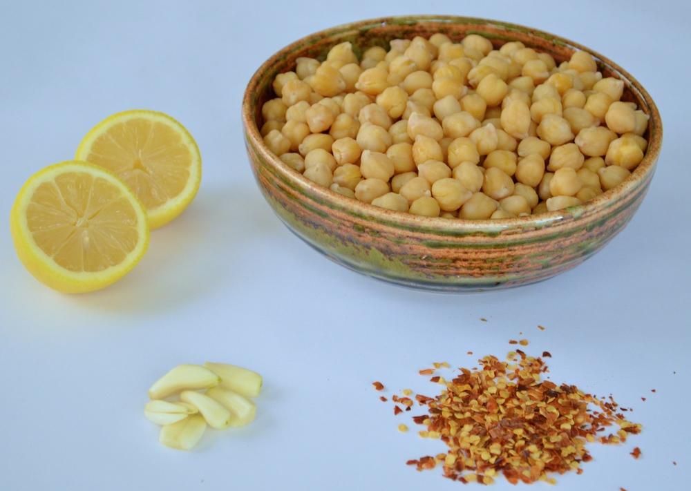 LaurenSchwaiger-Blog-Lemony-Chickpea-Salad-Ingredients.jpg