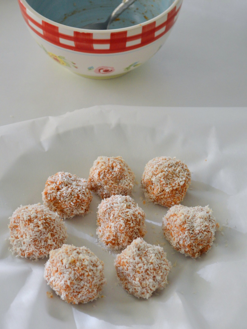 LaurenSchwaiger-Blog-Raw-Carrot-Cake-Balls.jpg