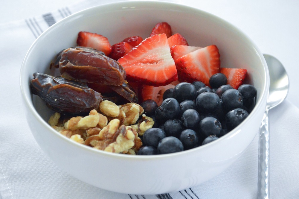Fresh-Berries-Nut-Dates-Breakfast-Bowl-LaurenSchwaiger-Blog.jpg
