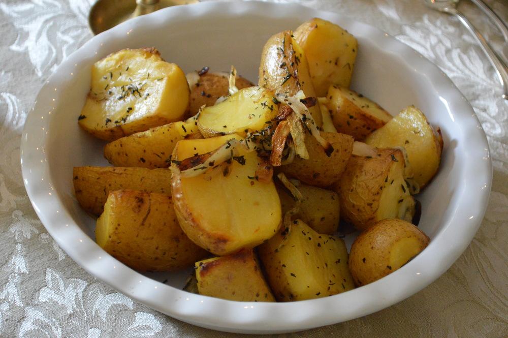 LaurenSchwaiger-Blog-Easter-Dinner-2015-Roasted-Potatoes.jpg
