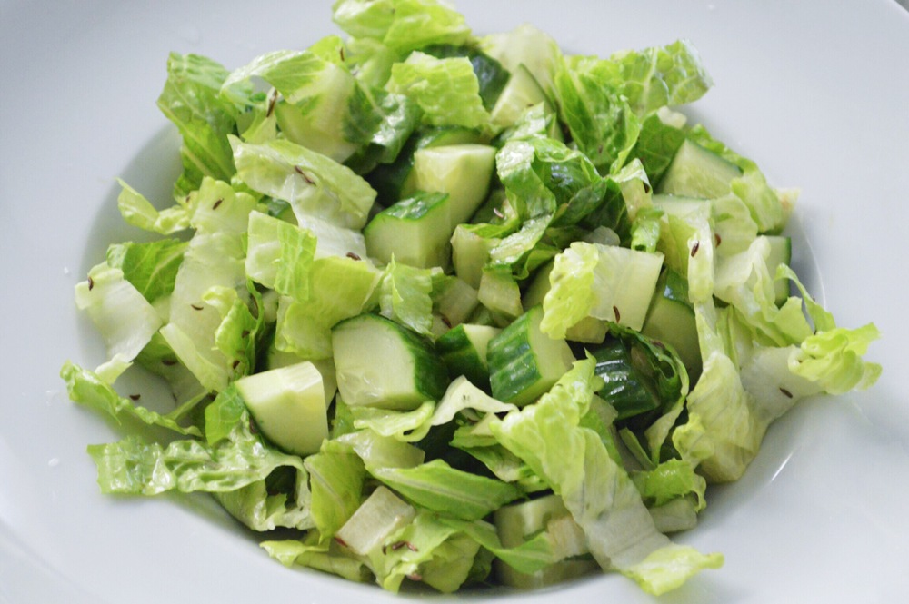 Romaine-Lettuce-Saturday-Salad-LaurenSchwaiger-Blog.jpg